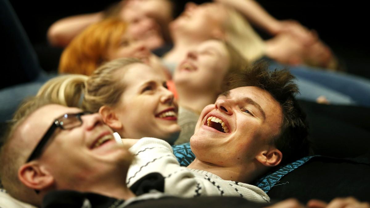 Skådespelareleverna på Molkoms folkhögskola