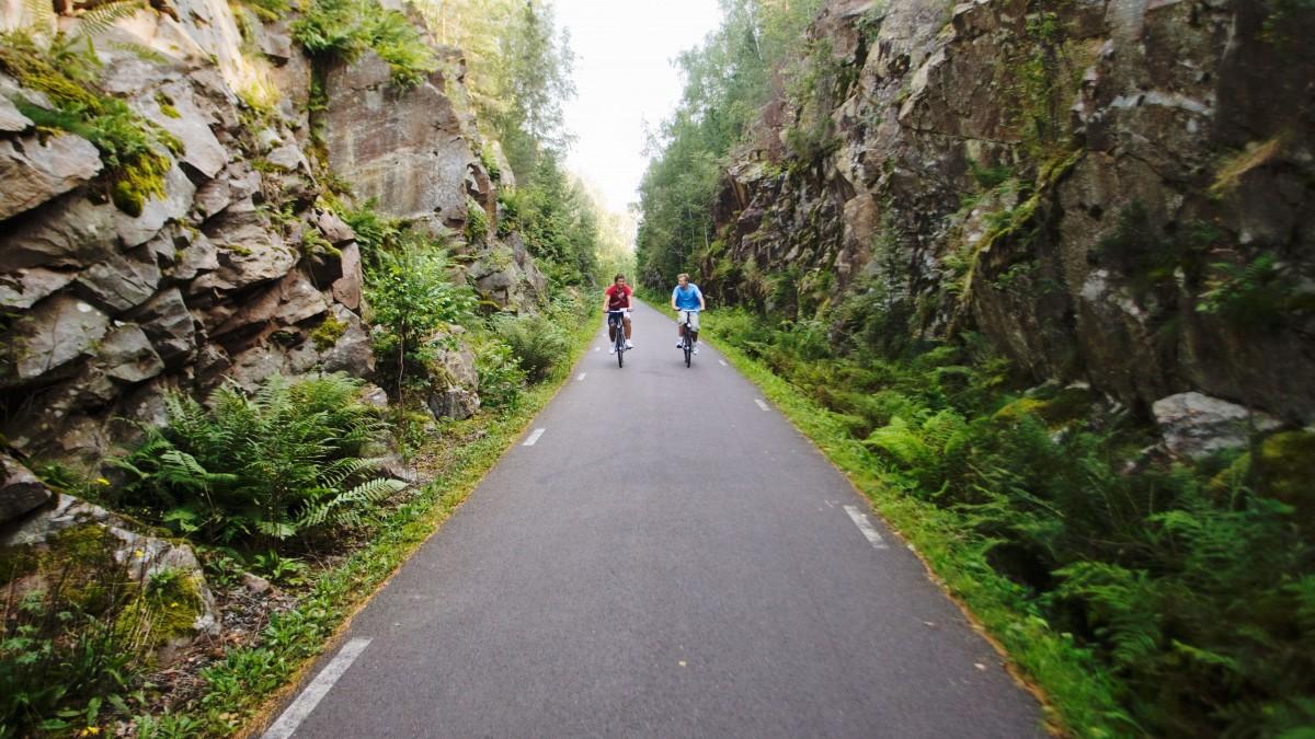 Cykeltur på smal väg